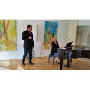 Operasanger Dorthe Elsebeth Larsen og syngende sygeplejerske Lars Frost
